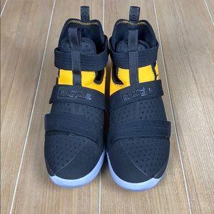 Black & Yellow Lebron James Nike Sneakers Sz 6.5Y